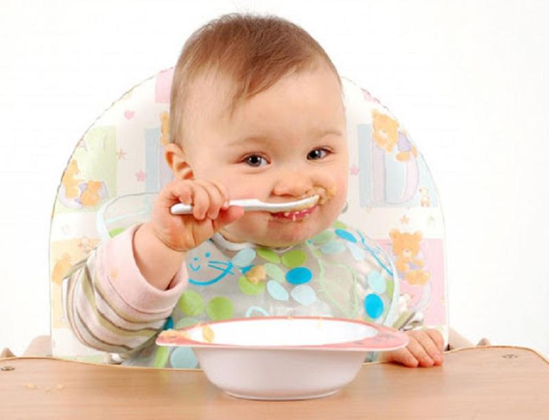 Dầu ăn dùng để chiên xào cho bé