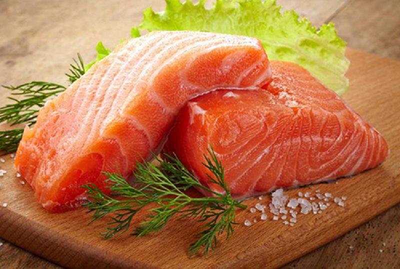 Lợi ích của trẻ ăn dầu cá hồi