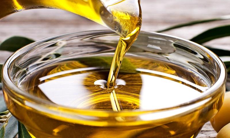 Lời khuyên dành cho người lớn khi sử dụng dầu ăn cho trẻ 5 tháng tuổi