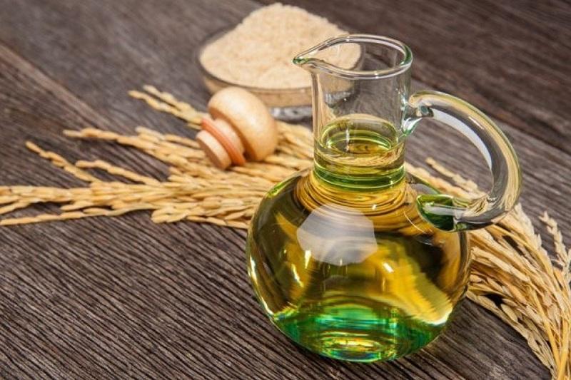 Bé bao nhiêu tuổi có thể bắt đầu ăn dầu?