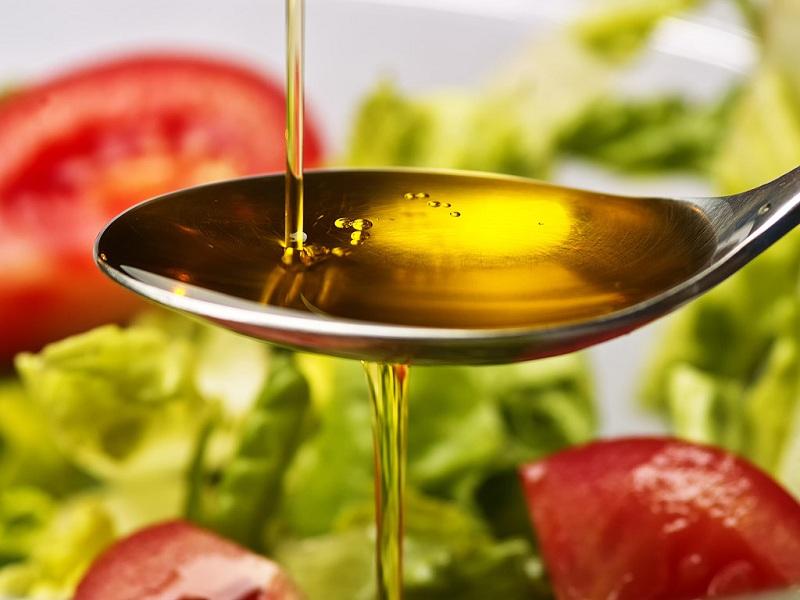 Cách sử dụng dầu ăn cho bé