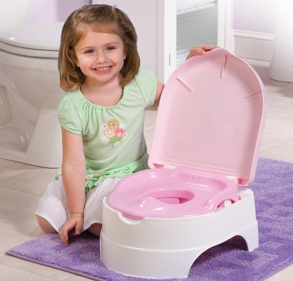 Nên dạy trẻ cách chủ động đi vệ sinh để không bị phụ thuộc vào tã
