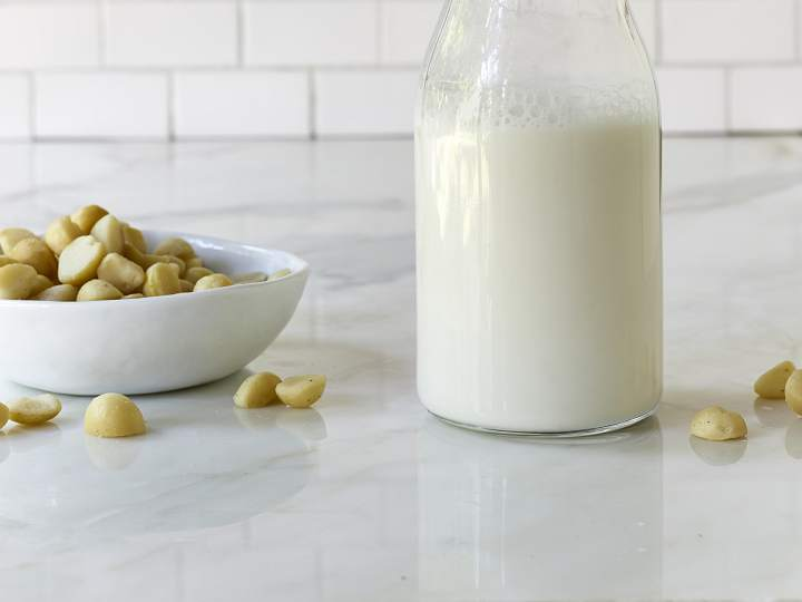 Sữa macca cũng là sự lựa chọn của nhiều phụ huynh cho con mình sử dụng